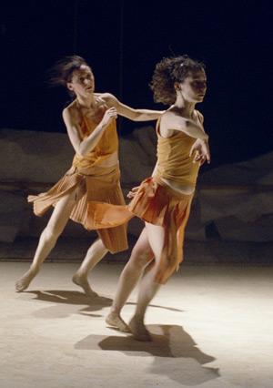 Impulstanz: Desh (the second part of the night) – Anne Terese De Keersmaeker & Salva Sanchis