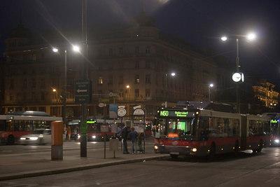 Saturday Night in Vienna: Staatsoper Nightbus @ 4am