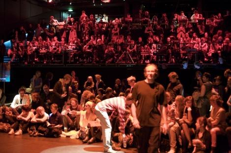 Tanznacht audience Halle G