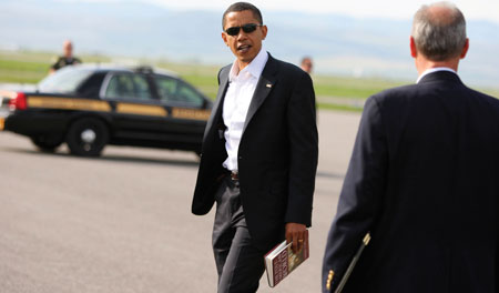 Presdient Barrack Obama reading The Post American World