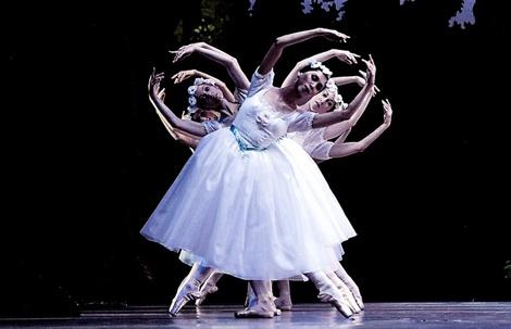 Staatsoper corps de ballet La Sylphide