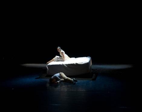 Juliet discovers dead Romeo 12