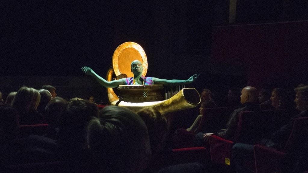 1001-Nights-Genie-in-Volksoper-audience-1200