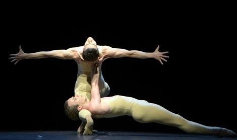 Marian Walter und Rainer Krenstetter in Roland Petits Duett aus Les intermittences du Coeur