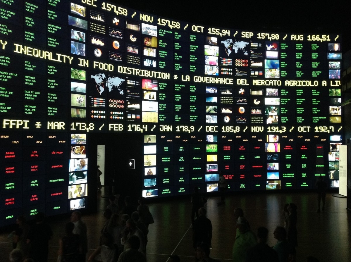expo_milan_pavilion_digital_screens_info_news_technology_wall-1058721
