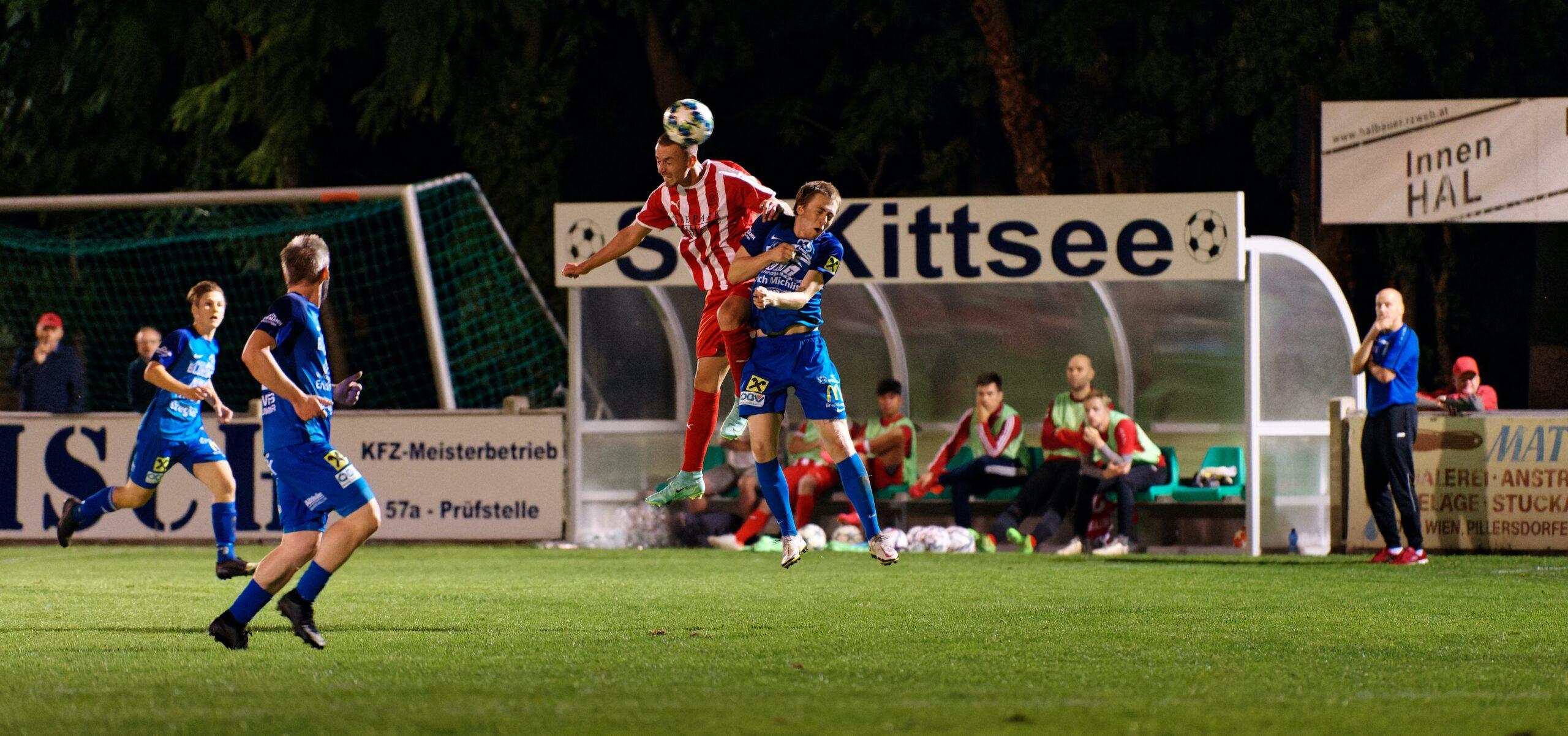 Pavol Bellas outleaps Fabian Schrammel