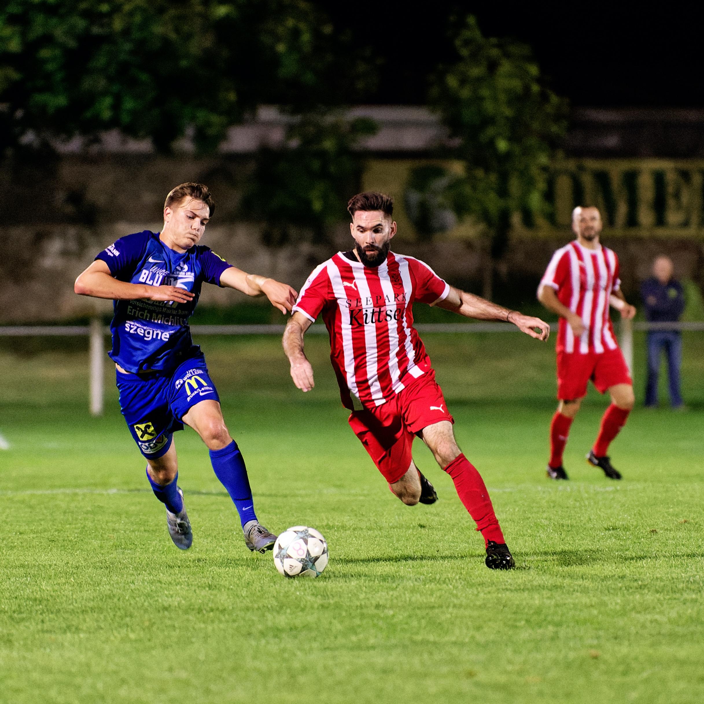 Juraj Fuska midfield run
