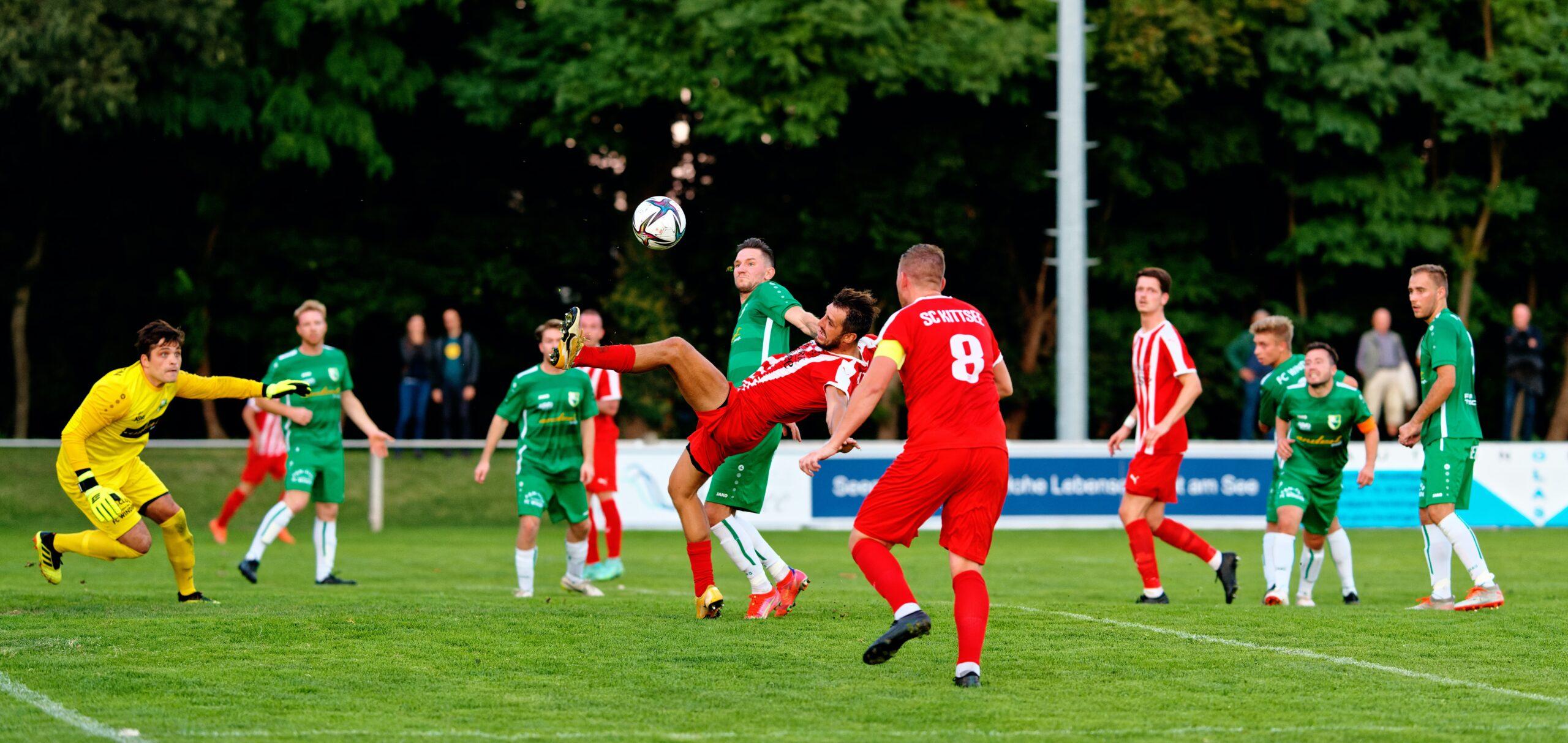 Filip Balazi takes down Jaroslav Machovec