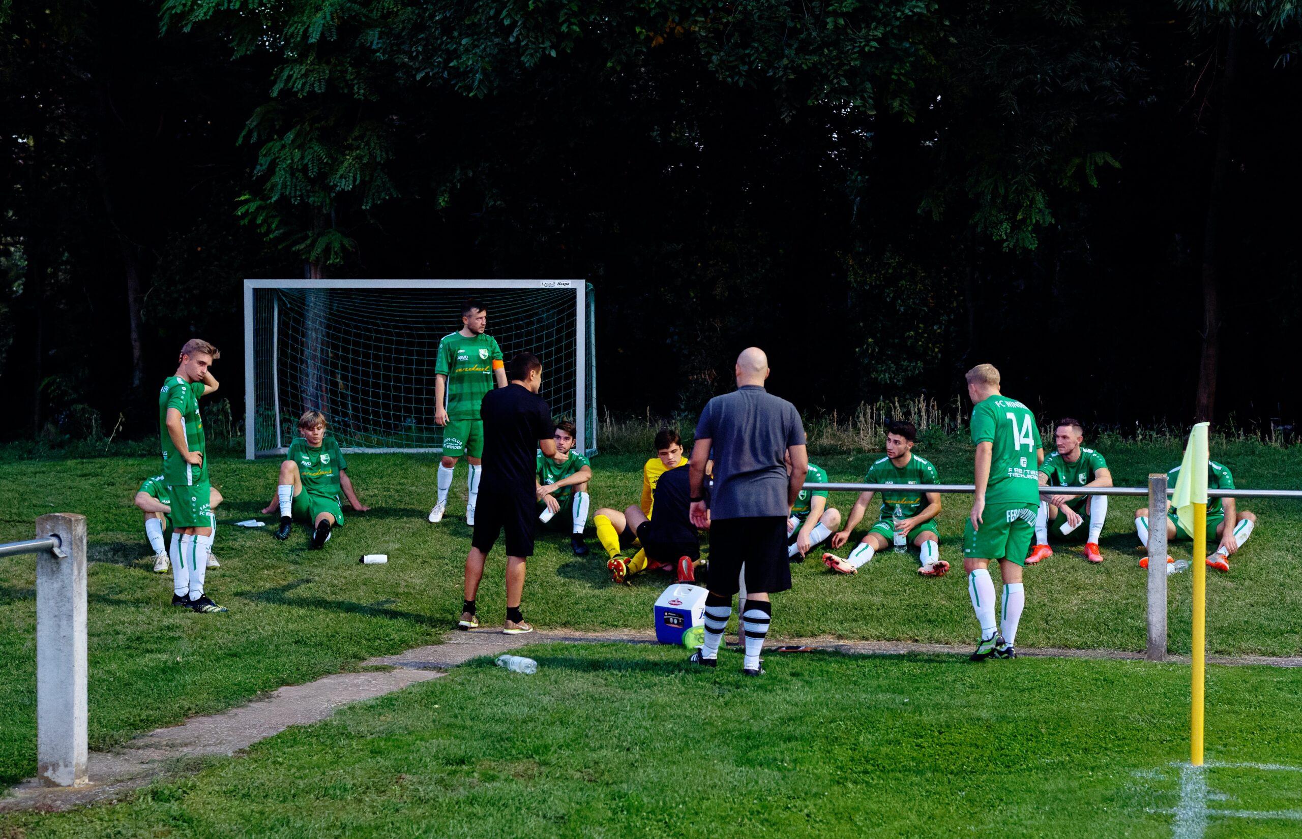 Zoltan Fekete half-time meeting