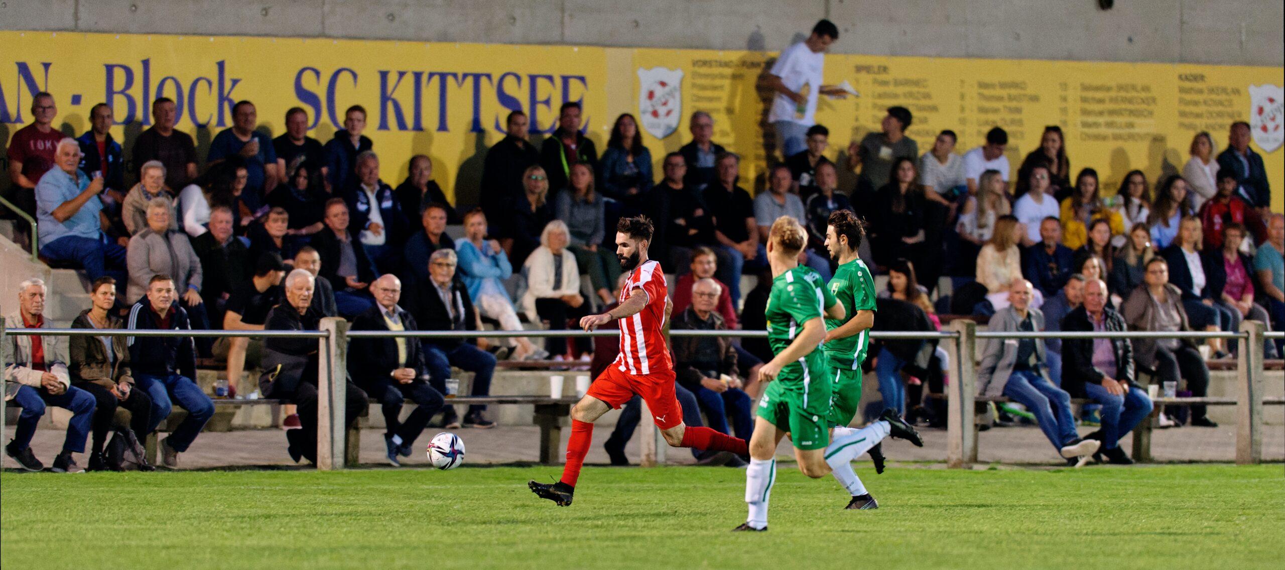 Speedy Juraj Fuska outruns FC Winden am See defenders
